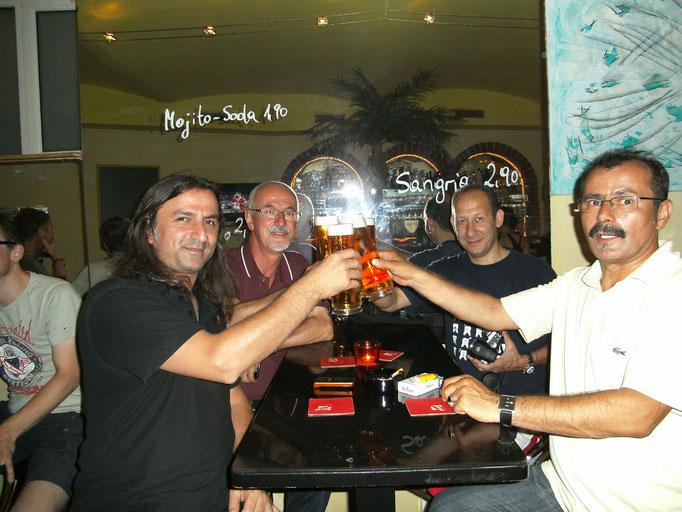 EM Finale 2012 - gemeinsam, mitsamt guten Getränken! Ein lustiger Abend!