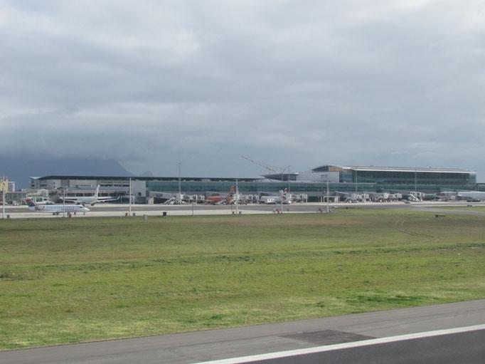 endlich da - Kaptstadt Airport