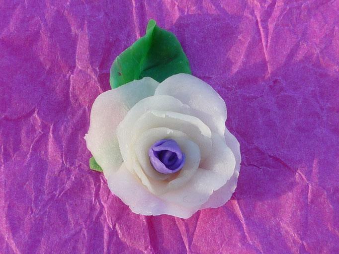 Rose en porcelaine froide. Elément à coller. 2€