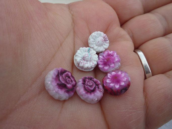 Fleurettes. Non percées.0,50€ la paire