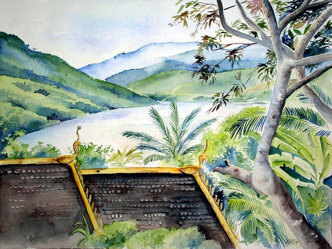 Temple à Pack Beng  -aquarelle31x41-A mi chemin entre Luang Prabang et Huay Xai, Pakbeng est une ville étape pour ceux qui montent ou descendent le Mékong en slow boat.
