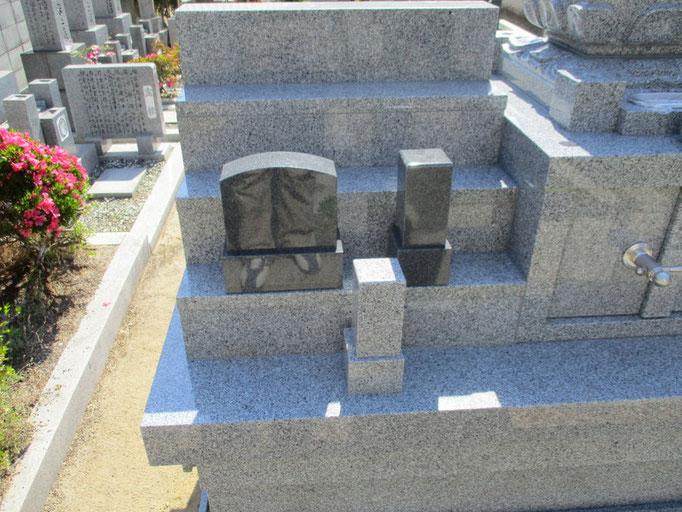 ミニ墓 大と小