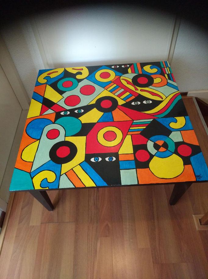 Salontafel teakhout, 80 x 80 cm, hoog 40 cm € 199