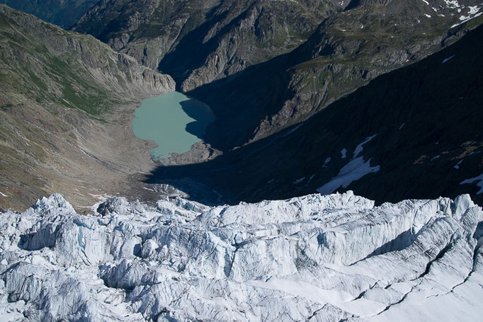 Triftgletscher  mit einem neuen Gletschersee