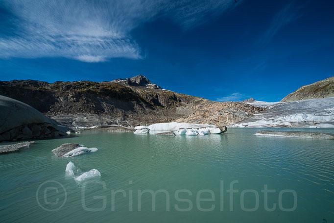 Rohnegletscher mit neuem  Gletscherssee