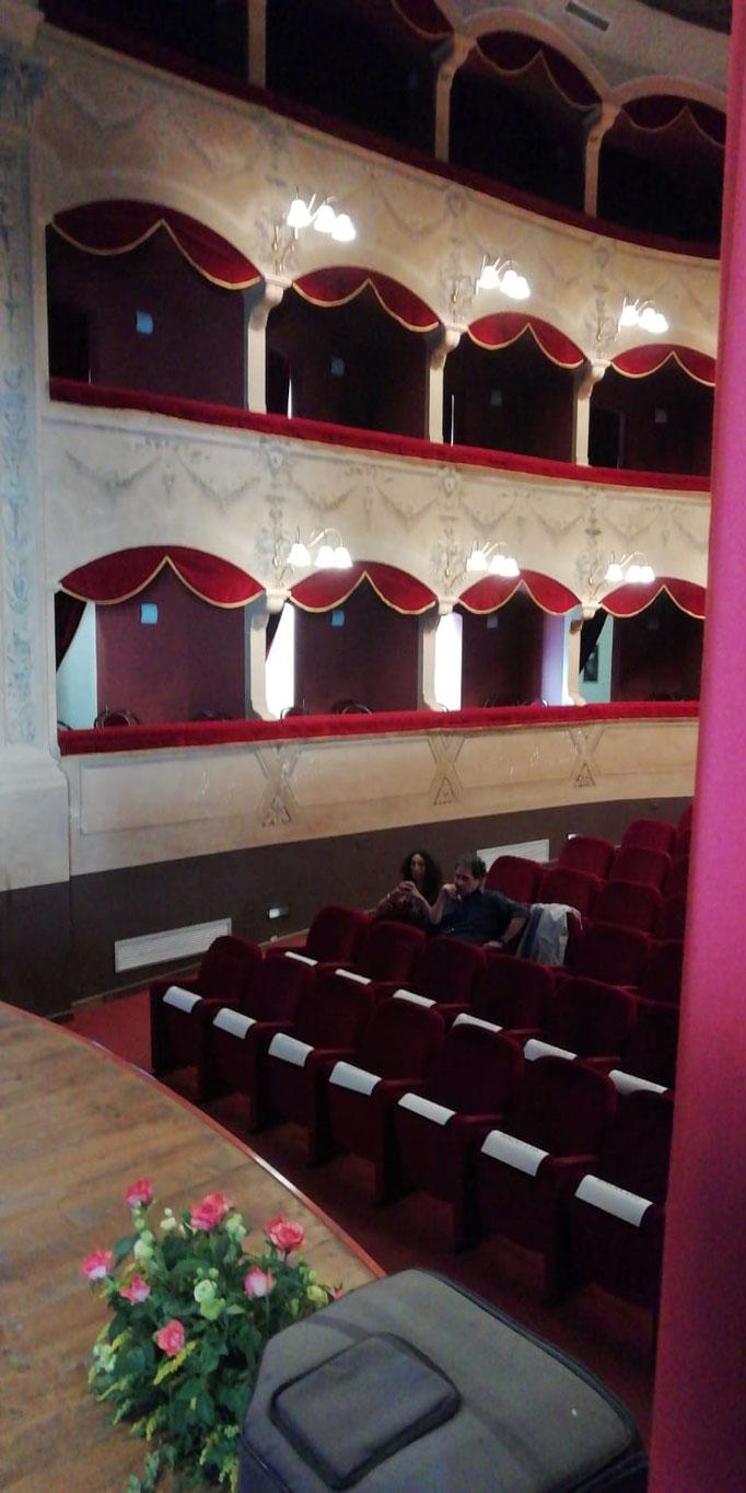 """Una visita alla location del convegno  """"Teatro Salvatore Cicero"""""""