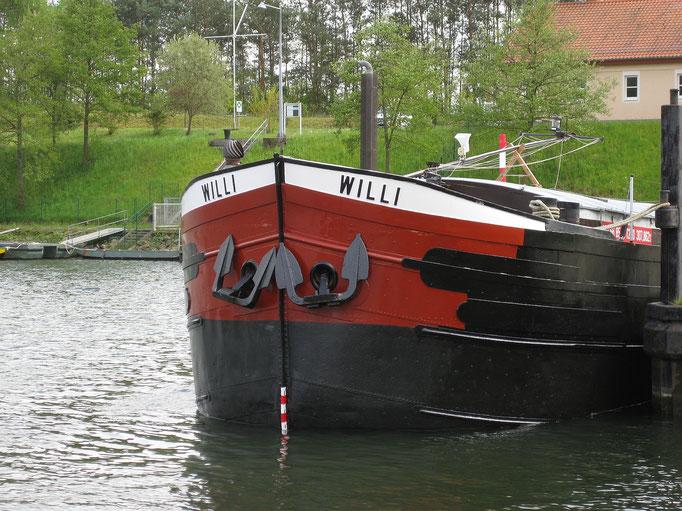 Schutzhafen Erlenbach (Main) 03.05.2016 16:28 © J.A.