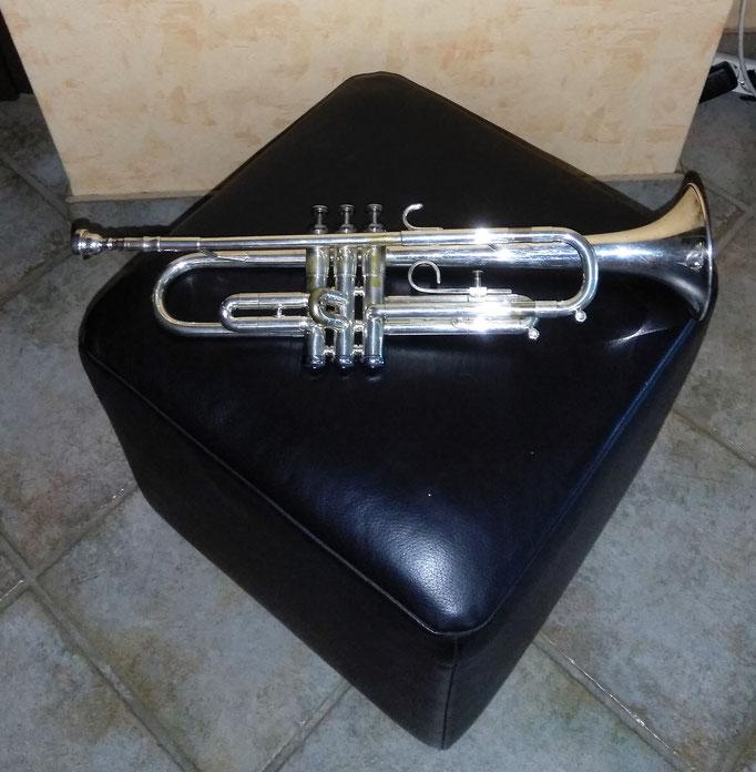 Getzen Bb-Trompete Elkhorn Wis. USA - 300er Series versilbert, Bohrung: 11,68 mm, Schallbecher: 118 mm