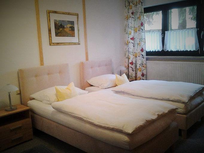 Schlafzimmer - wahlweise auch mit 2 Einzelbetten nutzbar
