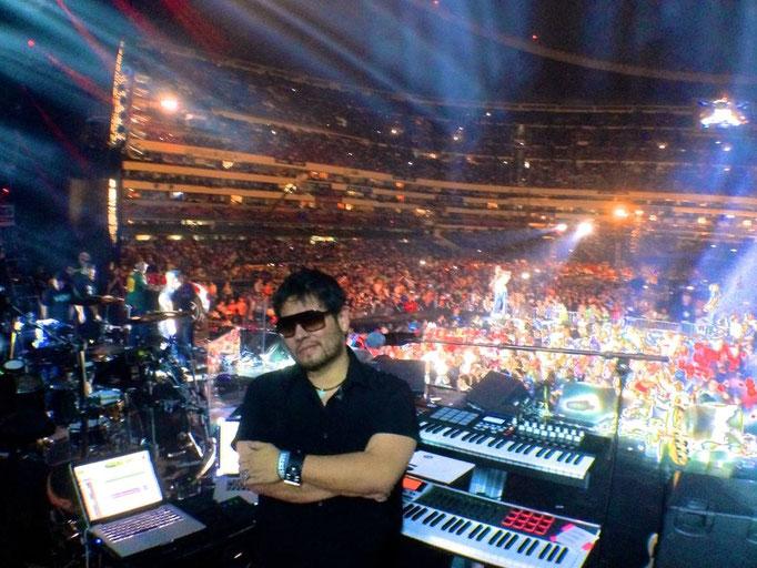 """Foto con mi setup, en el Estadio Azteca, evento """"Los 40 Principales"""", Mayo 2014."""