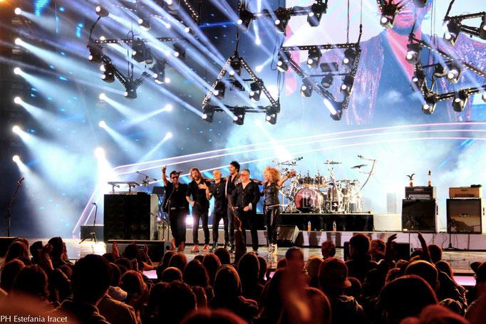Terminando el concierto en Viña del Mar, 2014, con el Zeta Bosio.