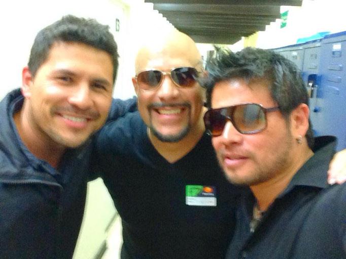 Con mis queridos Emmanuel Briceño y Waldo Madera (Teclados y Batería, Juanes)