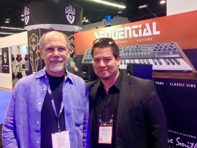 """Con mi amigo el """"papá del MIDI"""" y fundador de Sequential Circuits: Dave Smith."""