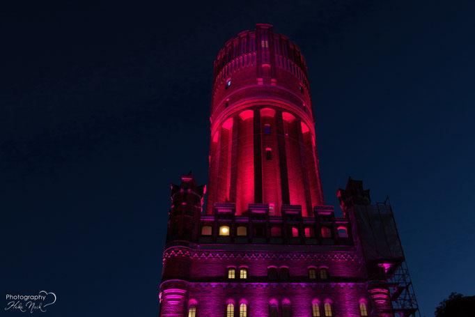 Zum Welt-Mädchentag am 11.10.15 gab es den Lüneburger Wasserturm in  PINK