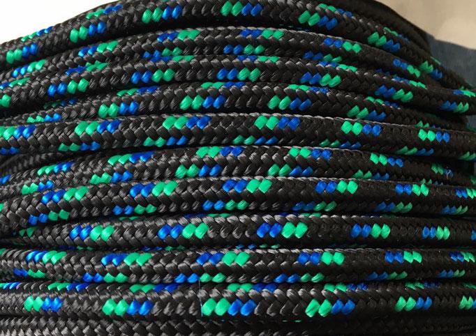 schwarz mit blau und grün