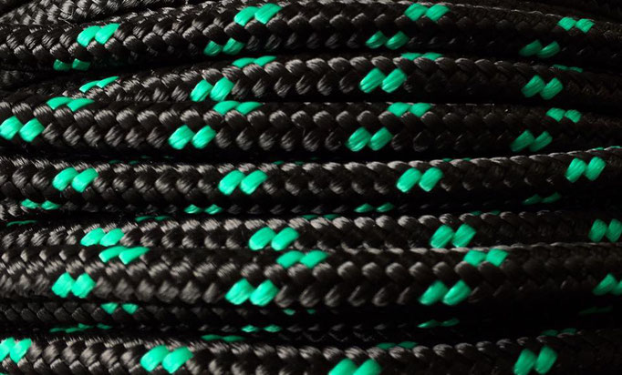 schwarz mit grün