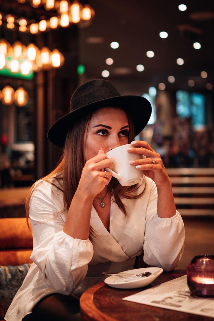Cafe Leonardo© Mülheim - Shooting by Hannah Fotografie / Model: Sabina