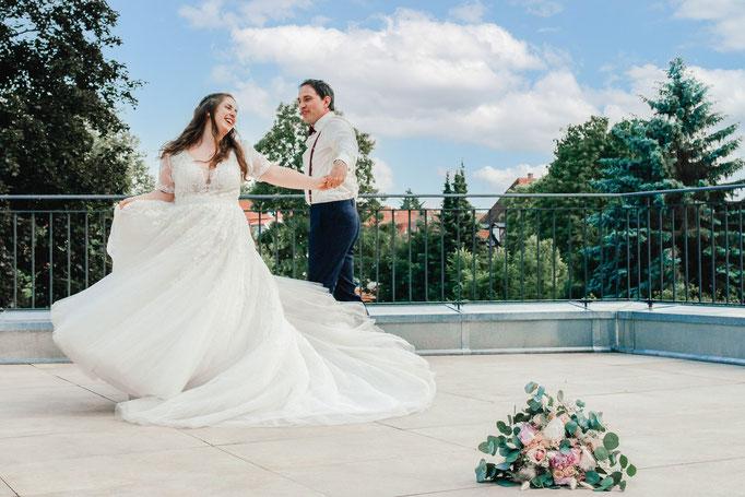Hochzeitstanz auf der Terrasse