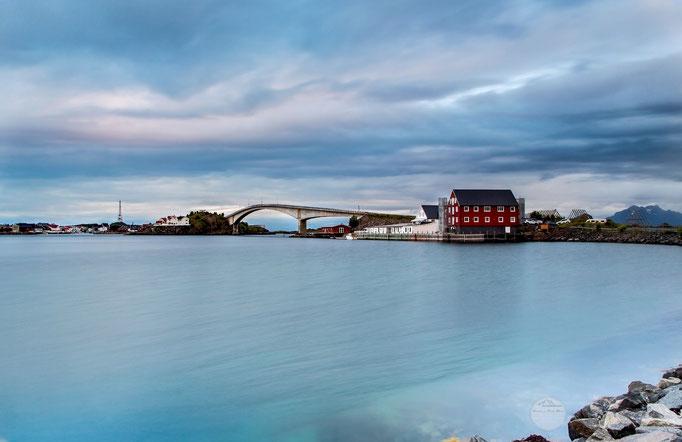 "Bild: Lofoten, Henningsvaer, ""bridge to Henningsvaer"", www.2u-pictureworld.de"