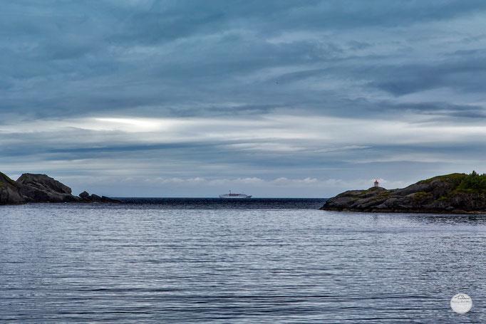 "Bild: Nusfjord`s bay, Flakstadoya Island Lofoten Norway, ""passing Nusfjord`s bay""; www.2u-pictureworld.de"