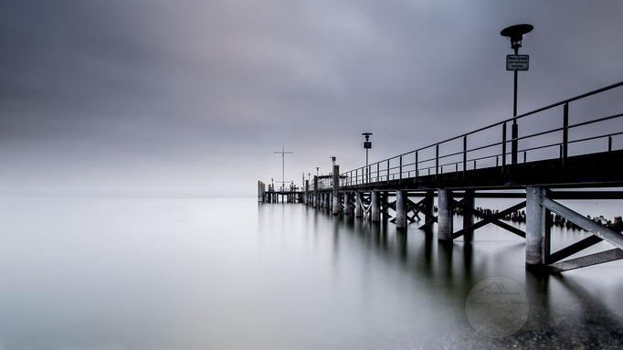 """Bild: Bodensee bei Hagnau, 2u-pictureworld.de, """"Steg ins Nichts"""""""