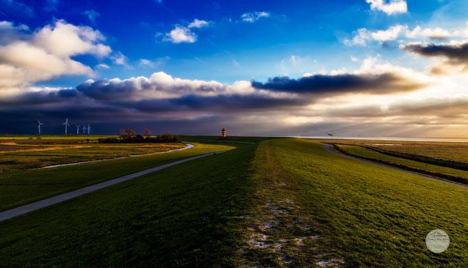 """Bild: Leuchtturm von Greetsiel, """"SielLand""""; www.2u-pictureworld.de"""