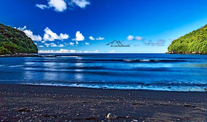 Bild: schwarzer Sand, Maui