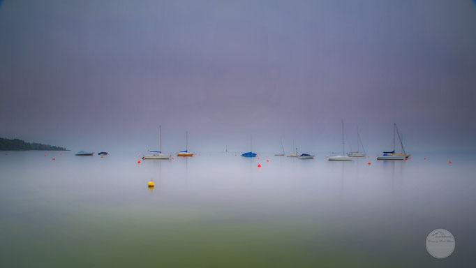 Bild: Bodensee, Boote vor Anker liegend in Hagnau, 2u-pictureworld.de