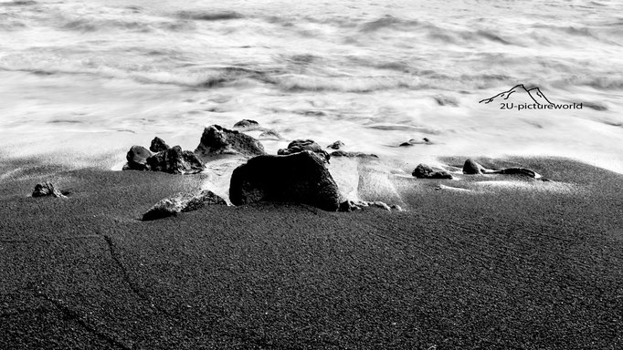 Bild: black sand beach, Hawaii