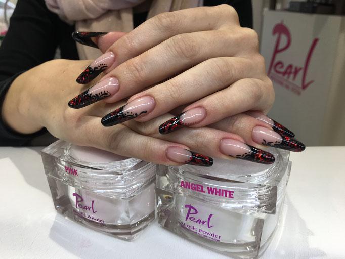 Nailart mit Pearl Acryl Powder Angel White und Pink dazu Pearl Farbgel
