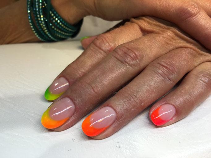 Pearl Farbgel Arbeit mit Pearl Neon Series Farbgel von Barbara Wyss