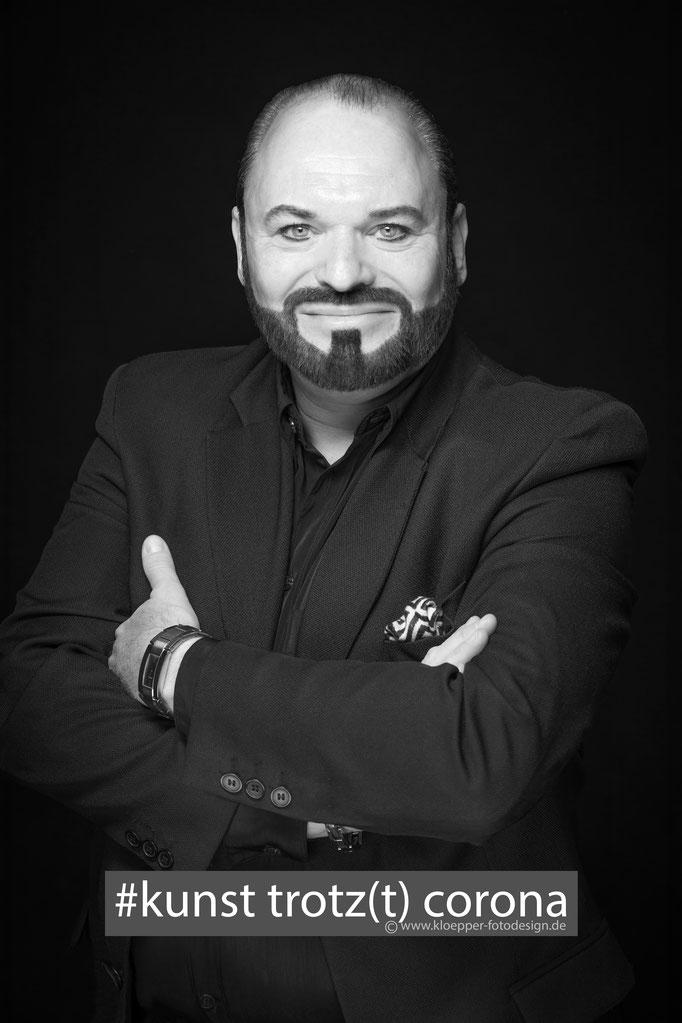 Marc Masconi, Sänger, Pianist