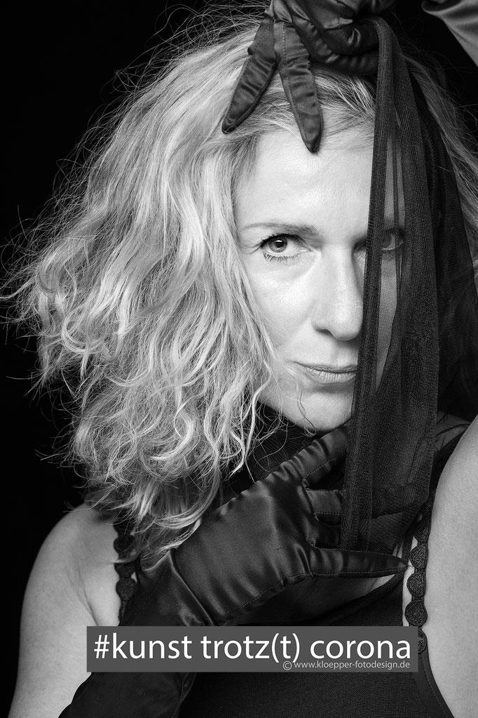Petra Henniger-zu-Wallersbrunn-Schauspielerin- stageperform Agenturchefin