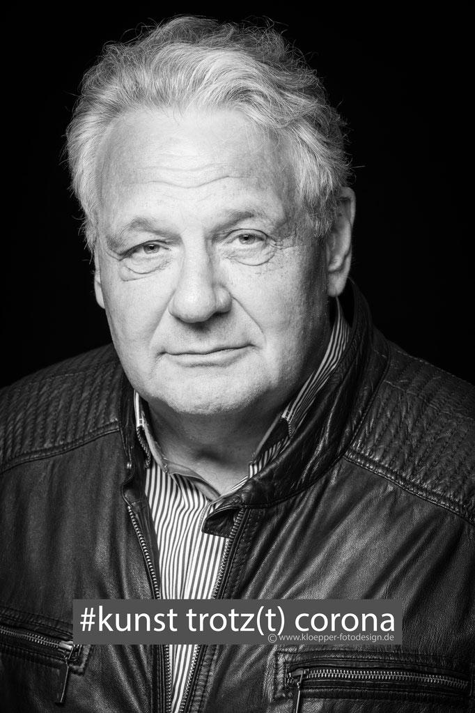 Axel Schnell , Autor