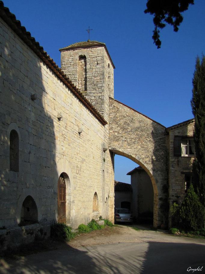 Chapelle ND des Cyprès à Fayence ( côté Sud )