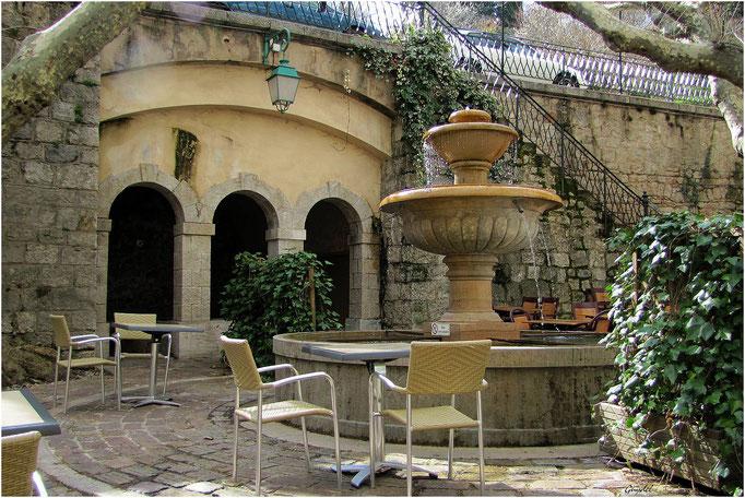 La Place du Thouron