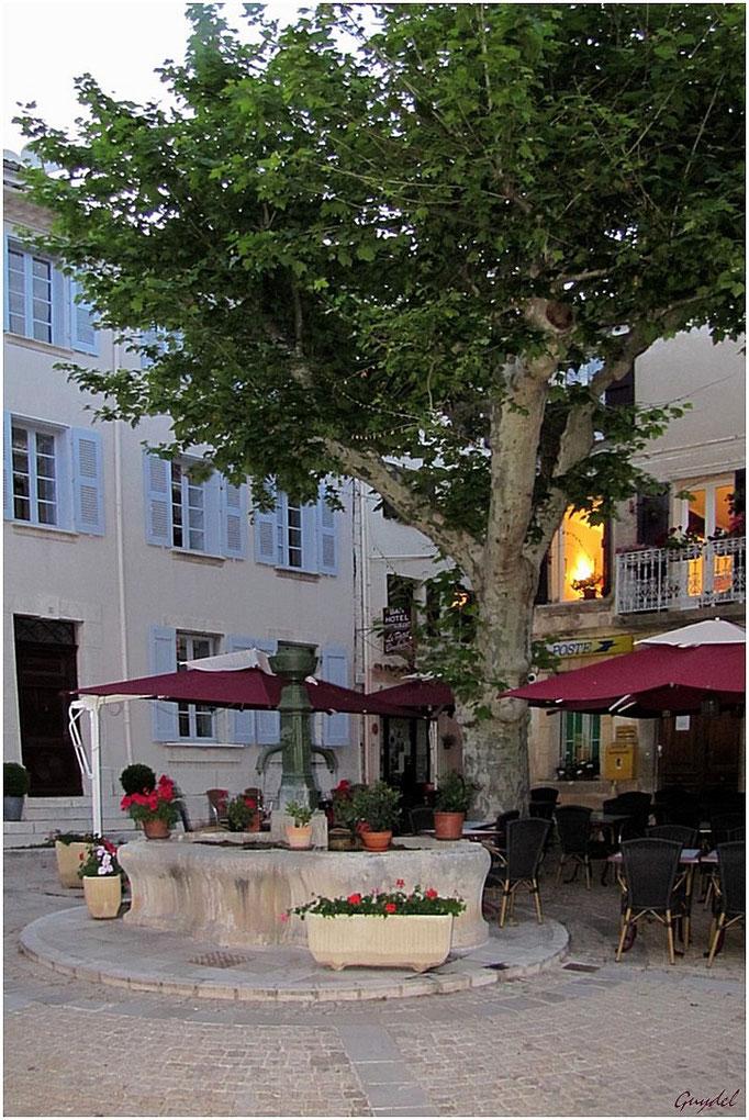Fontaine Place de la Poste