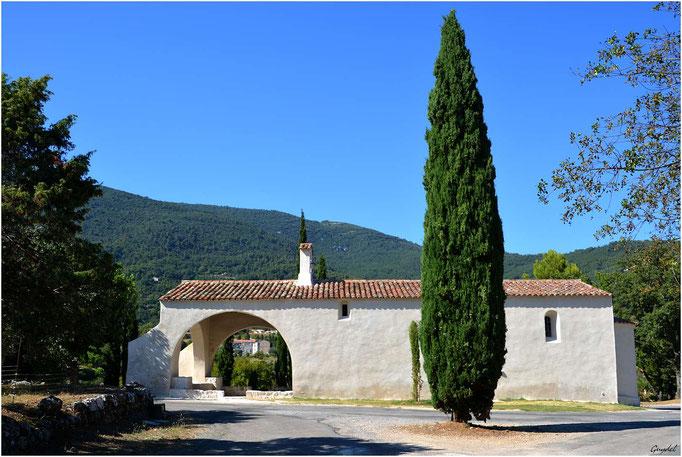 Chapelle St Cyr à Seillans ... côté Sud