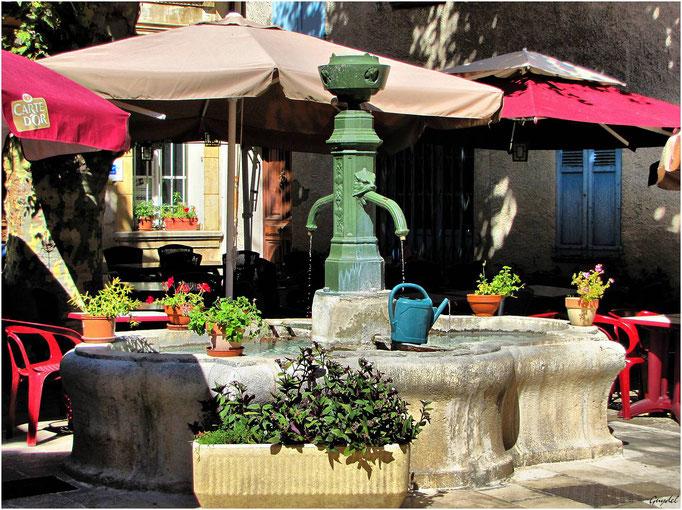 Fontaine de la Place de la Poste ... à Mons