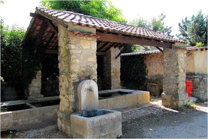 Le Lavoir du Chemin des Crottons et sa Nouvelle Fontaine