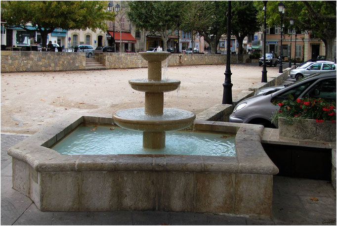 Le Clos et sa Fontaine Neuve