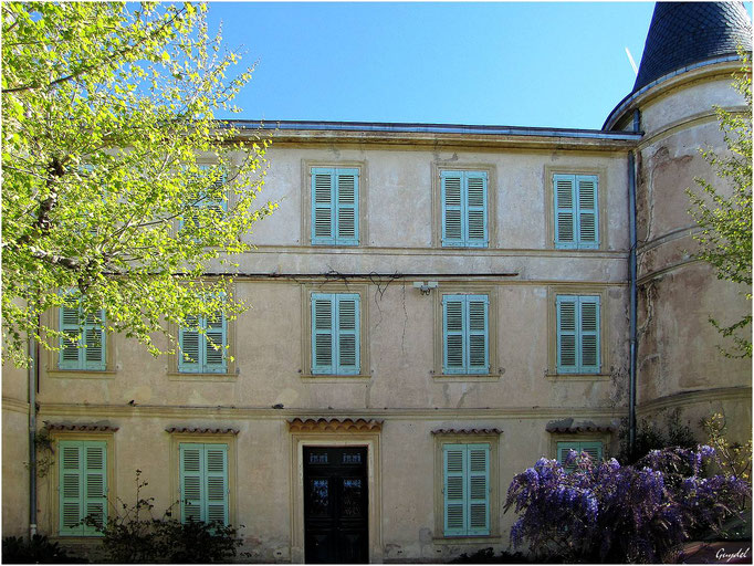 Facade du Château Goerg avant rénovation