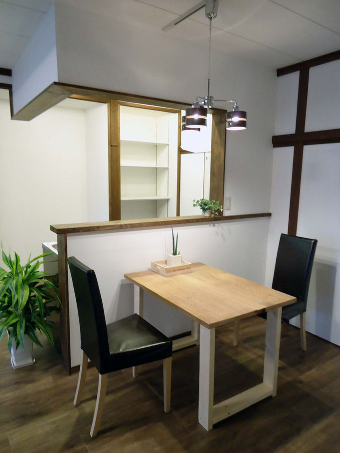 DK部分 テーブルは床の間の板を再利用! いい味出してます!