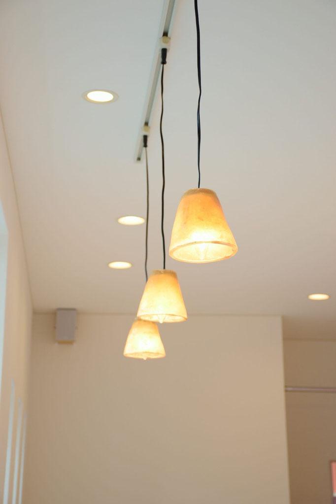 お客様が使用していた照明をそのまま使用しています。