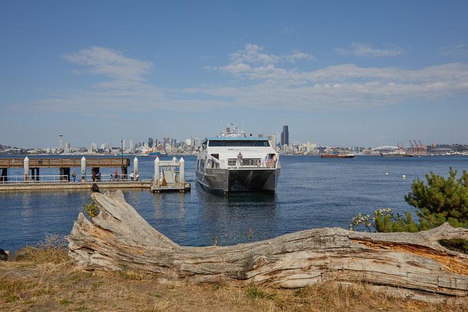 Seattle Sky Line und Wassertaxi von West Seattle