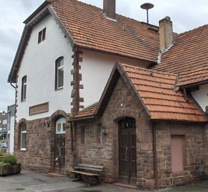 Gemeindeverwaltung mit ehemaligem Kino