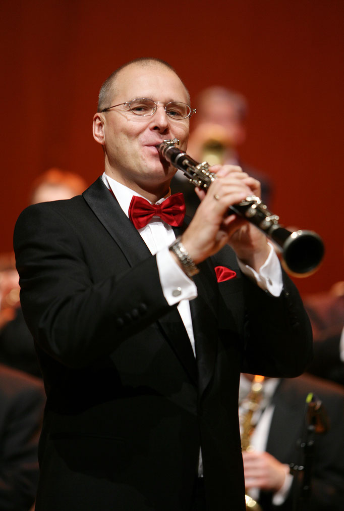 Engelbert Wrobel Solo-Clarinet KING OF SWINg ORCHESTRA