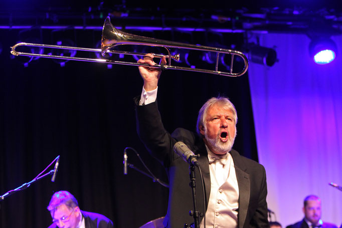 KIng Of Swing Orchestra mit Jiggs Whigham