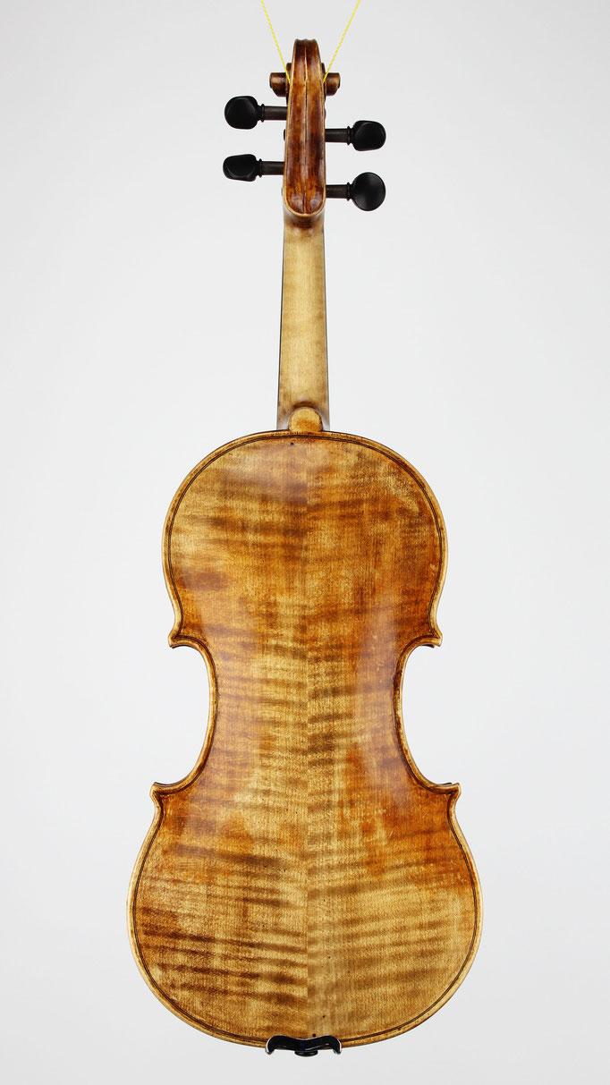 Boden einer Guarneri Meister Geige mit wunderschön geriegeltem Ahorn