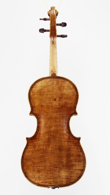 Handgemachte Meistergeigen und Bratschen kosten bei uns unter 6000€ - ein Nachbau einer Maggini Viola von 1610